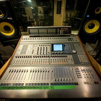 Tascam DM 4800 Mixing Console